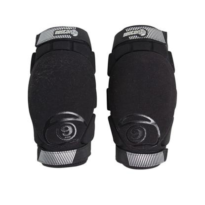 SECTOR 9 PRESSION ELBOW BLK S/M